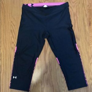 🧘🏼♀️Under Armour Capris🧘🏼♀️ Open to Offers!